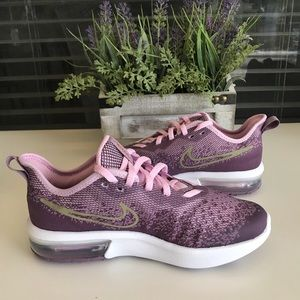 Nike Shoes - 🌸 NWOT NIKE AIR MAX SEQUENT 4🌸